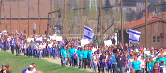 Unas 12.000 personas marcharon este jueves en Polonia para recordar a las víctimas del Holocausto. / ,