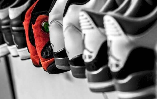 Hermes Rivera / Unsplash,zapatillas deporte, iguales diferente