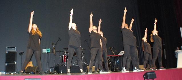 Momento de la actuación del grupo Impact-JCUM./ Ugo Cardona