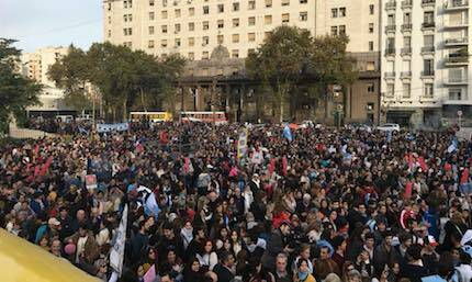 Miles de personas participaron de las marchas. /FB Marcha Por la Vida