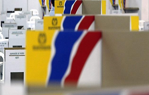 Cabinas de votación durante la jornada electoral. / Celag,