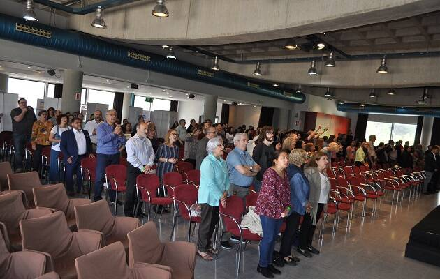 La conferencia también ha contado con momentos de alabanza a cargo del grupo de Trobada Jove. / Joan Simó,