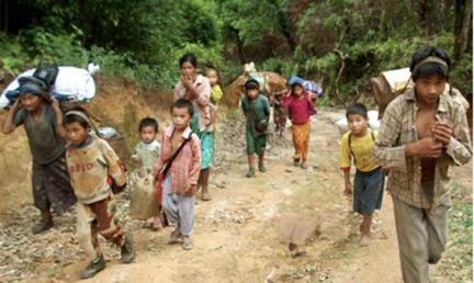 Cristianos Kachin huyendo de sus aldeas en 2011. La situación sigue siendo la misma en 2018.  /Puertas Abiertas,
