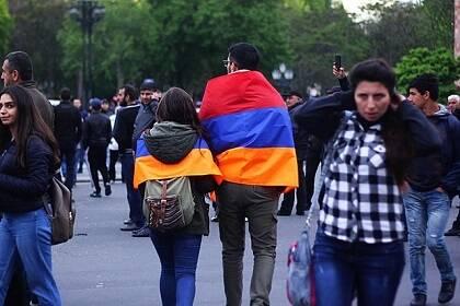 Muchos jóvenes tomaron las calles para reclamar un cambio radical en Armenia. / Wikimedia Commons