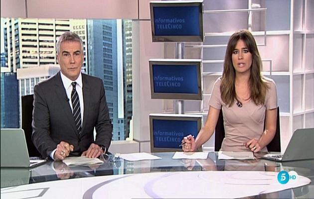 David Cantero e Isabel Jiménez, presentadores del Informativo de Telecinco de las 15h. / Telecinco,