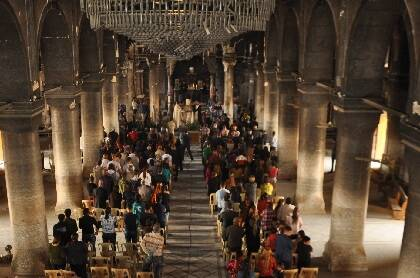 Celebración dominical en una iglesia tradicional en Qaraqosh la pasada Semana Santa / Puertas Abiertas