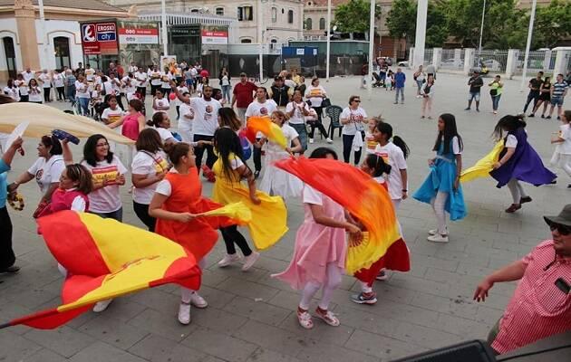 Un instante de danza durante la celebración de España Oramos por Ti el pasado junio en Palma de Mallorca. / Facebook España Oramos por Ti,