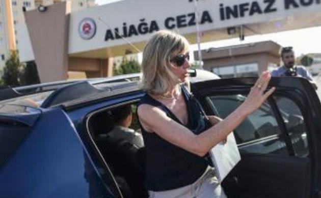 Norine Brunson, esposa de Andrew, esta mañana al llegar al tribunal de Izmir donde se realiza el juicio. / Instagram PreciosaSangre,