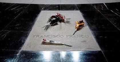 La tumba del dictador Francisco Franco se encuentra en el interior de la abadía desde su muerte, en 1975. / Facebook Asoc. Defensa Valle de los Caídos