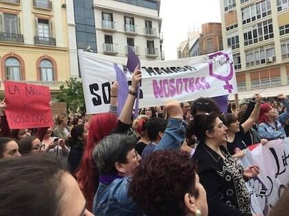 Una protesta contra la resolución del caso de La Manada en Málaga. / Wikimedia Commons