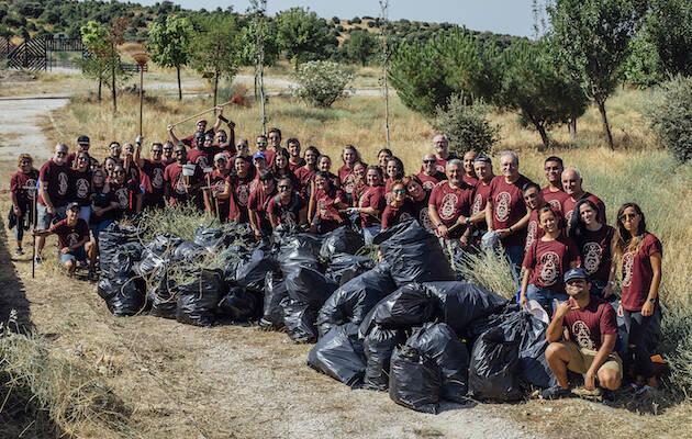 El equipo de voluntarios de las Jornadas Internacionales de Pedrezuela. / Asociación Decisión,