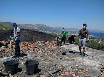Los voluntarios intentan mostrar la esperanza y el amor de Dios. / Nikos Stamoulis