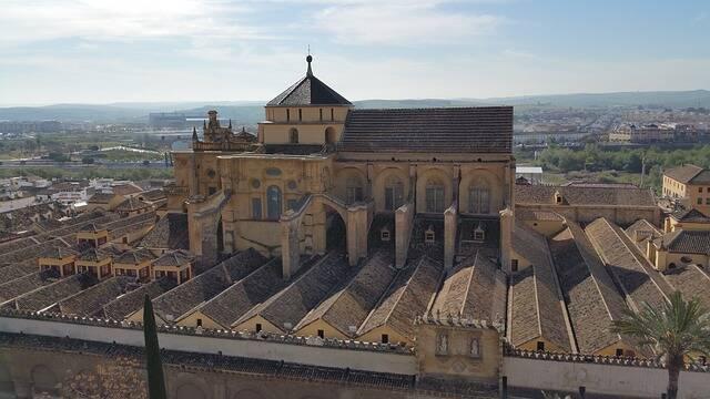 La Catedral-Mezquita de Córdoba, uno de los bienes en disputa./ Pixabay (CC0),
