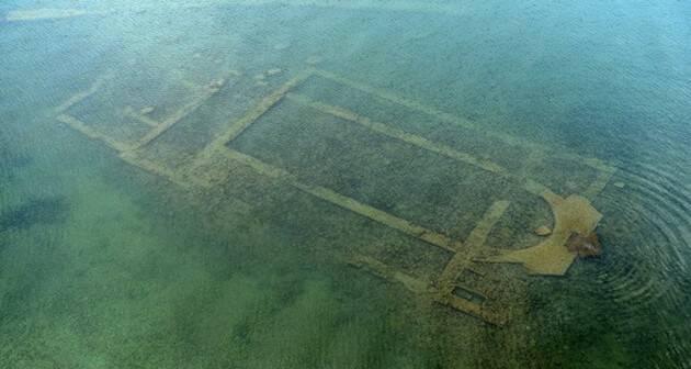 La basílica bajo el lago, de 1700 años de antigüedad. / Daily Sabah,