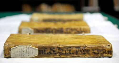 Algunos de los documentos del códice de Chimalpahin. / INAH México,