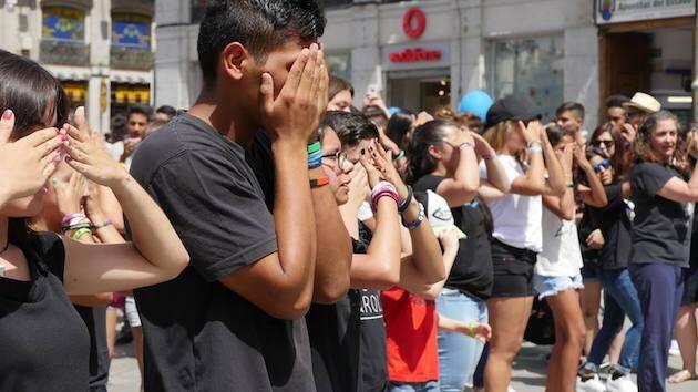 Una performance en Puerta del Sol (Madrid) en julio de 2017 denunciando la trata de personas. / 15J, Carlos Fumero,