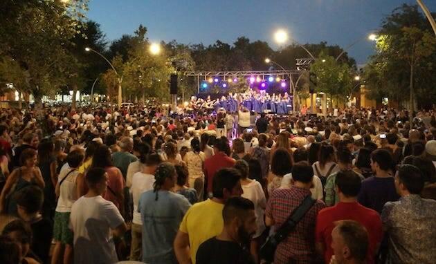 Miles de personas disfrutaron de la música del Coro Gospel Living Water. / Koinonía Sevilla,