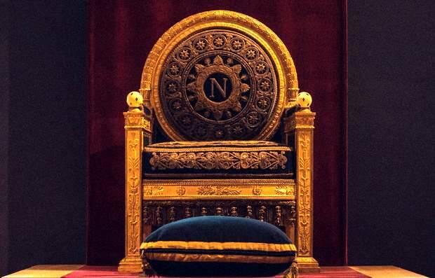 William Krause / Unsplash,trono
