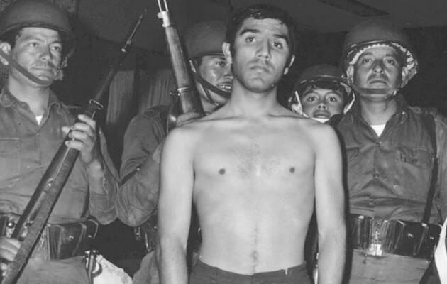 Luis González de Alba detenido por el ejército el 2 de octubre de 1968. ,