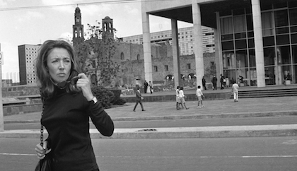 Oriana Fallaci en México durante el octubre de 1968.