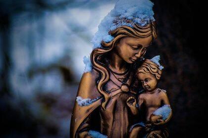 Los creyentes protestantes no veneran a María, sino a Jesucristo.