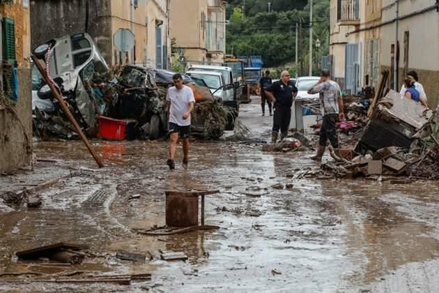 Ilustración: El día después del aluvión que arrasó la localidad de Sant Llorenç, en la comarca mallorquina de Levante,aluvión levante