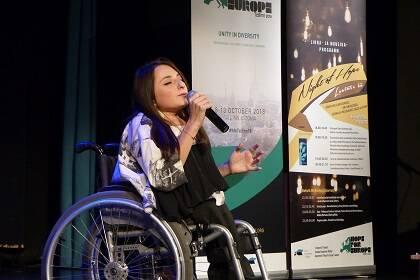 Dana Ponaskova, de Come Along, en una participación musical. / EEA, C. Grötzinger