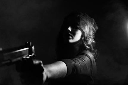 En un mundo caótico, todo es impredecible. ¿Qué saldrá de la pistola?