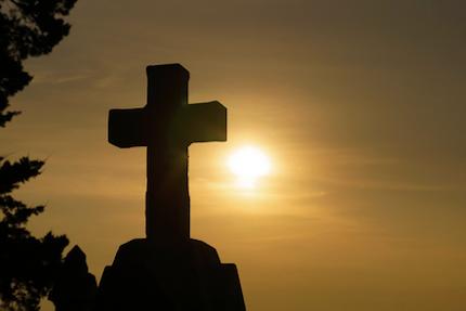La cruz de Cristo revela que Dios tiene el propósito aun en los momentos más oscuros de la historia.