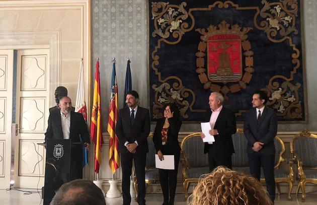 El alcalde Luis Barcala expresó su satisfacción por celebrar este acto conmemorativo. ,