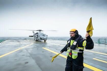 Maniobras en un portaaviones. / Nato Facebook