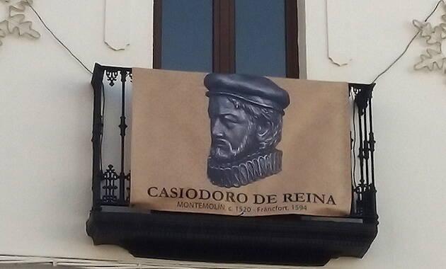 Casiodoro de Reina, homenajeado en Montemolín. / E. Monjo,