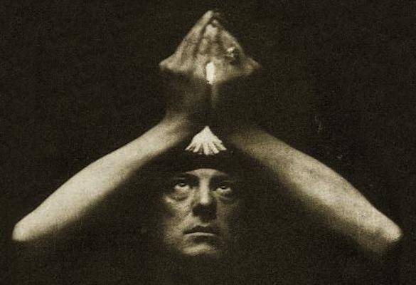 Crowley es una figura de culto para muchos músicos de rock.,