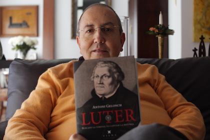 La obra de Gelonch es uno de los pocos textos escritos en catalán acerca de Martín Lutero. / Jonatán Soriano
