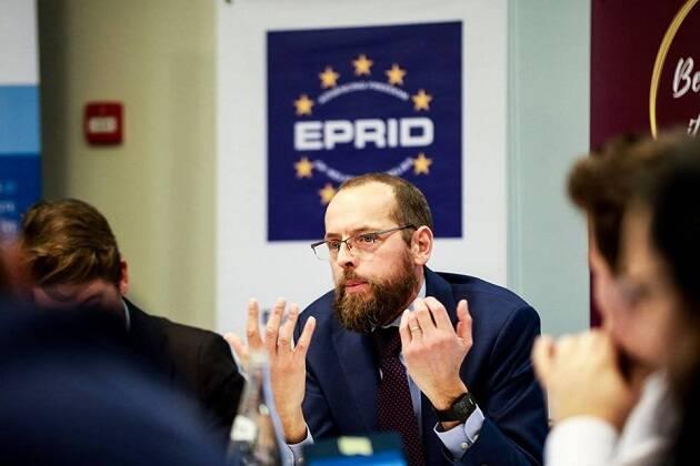 Arie de Pater, representante de la Alianza Evangélica Europea en Bruselas. / EEA,
