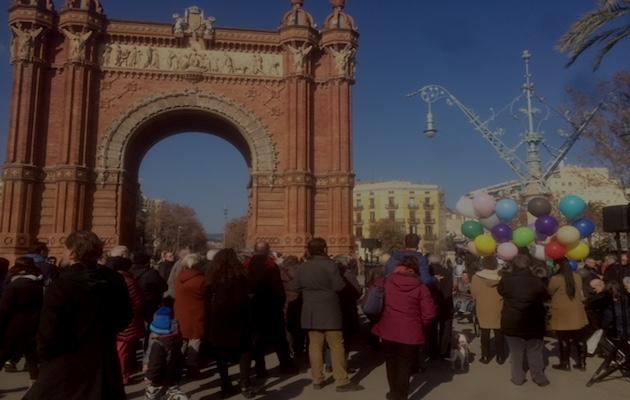 El acto se ha realizado al lado del céntrico Arco de Triunfo, en Barcelona. / Redacción PD,