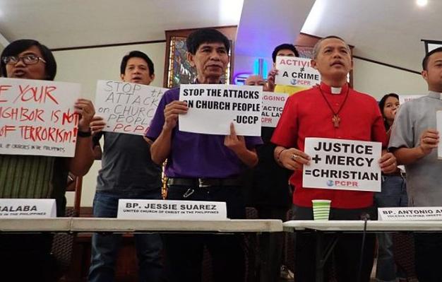 Representantes de diferentes organizaciones cristianas en las islas, pidiendo el fin de las hostilidades contra obispos y pastores en octubre. / NCCP, Mon Ramírez,