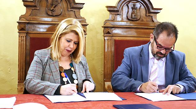 Acto de firma del convenio de colaboración con el Ayuntamiento de Jerez y la Fraternidad de Iglesias Evangélicas de Jerez. / Fraternidad de Iglesias Evangélicas de Jerez