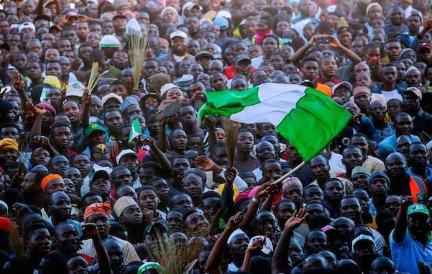 Miles de nigerianos concentrados en un mitin durante esta campaña. / Twitter @MBuhari,