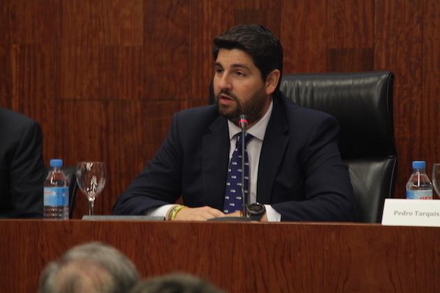 Fernando López Miras , exponiendo en la inauguración de Idea en la Facultad de Derecho de la Universidad de Murcia. / J.Soriano,