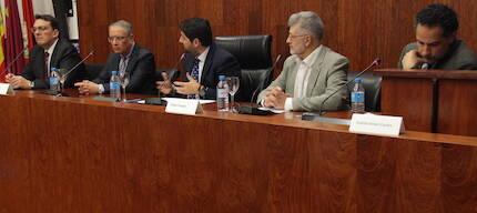 Los participantes del coloquio. /J. Soriano