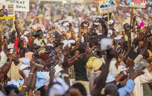 Senegaleses en un mitin durante esta campaña electoral. / Facebook Macky Sally,