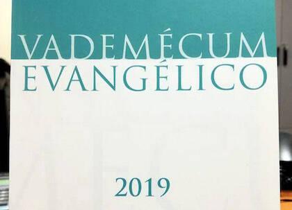 Edición impresa del Vademécum evangélico 2019. / Ferede