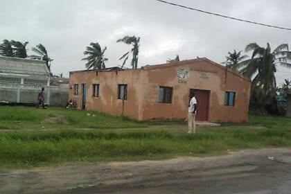 Una iglesia de la Convención Bautista de Mozambique sin tejado. / CBM
