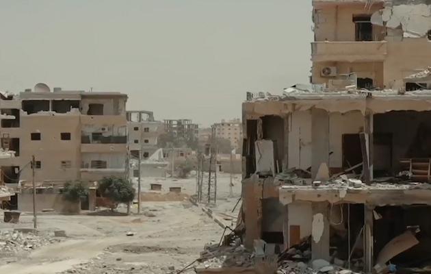 Un vecindario de la ciudad siria de Al Raqa destruido en la batalla para recuperar la ciudad, entre enero y octubre de 2017. / Wikimedia Commons,