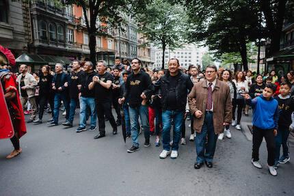 La marcha fue acompañada por unas 800 personas. / HisLife