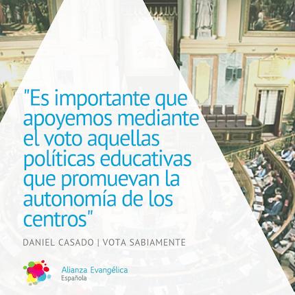 Daniel Casado aborda el asunto de la educación en el documento Vota sabiamente.