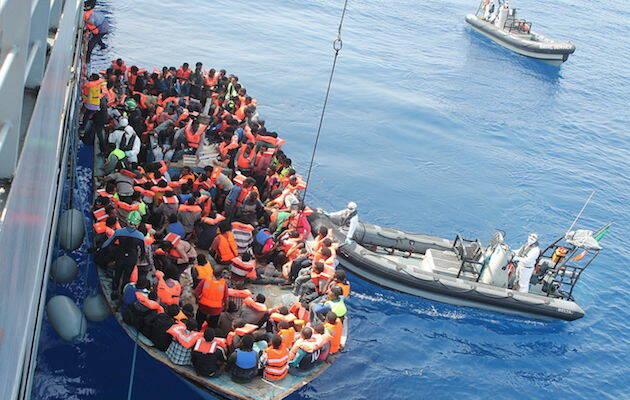 Imagen de una intervención de rescate en el marco de la Operación Tritón, en junio 2015. / Wikimedia Commons,