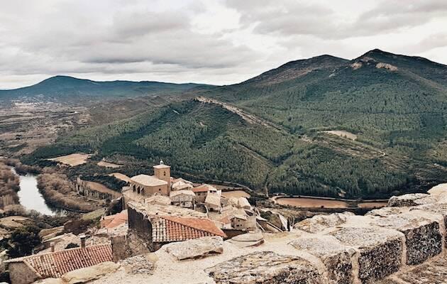 Vista de un pueblo en Navarra. / Cecilia Rodríguez, Unsplash CC,