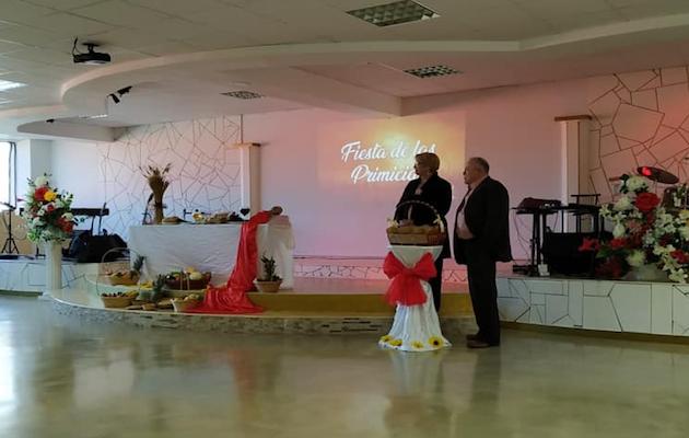 Imagen de la iglesia durante una celebración. / Facebook Vida Real,